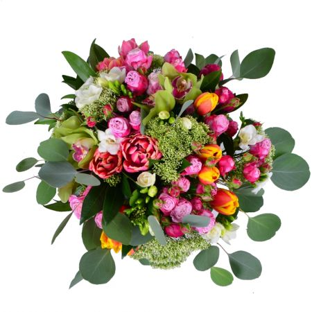 Order wonderful bouquet with delivery